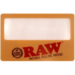 Raw Magnifying Card