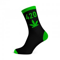 wholesale 420 cannabis socks. Black and green colour in a pack of 12 pairs sold seperately